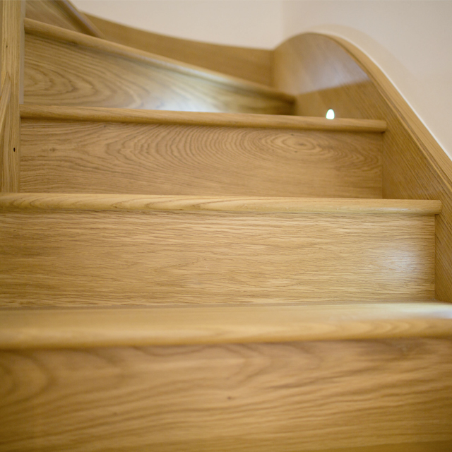 staircase-with-lighting
